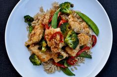 Crunchy Honey Chicken...this look SO good! This would be gluten free with a GF soy sauce! Naturally dairy and refined sugar free! Yeah!