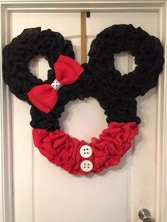 Mickey or Minnie holiday wreath Disney Christmas Crafts, Disney Christmas Decorations, Mickey Christmas, Disney Crafts, Christmas Diy, Wreath Crafts, Diy Wreath, Burlap Wreath, Rustic Wreaths