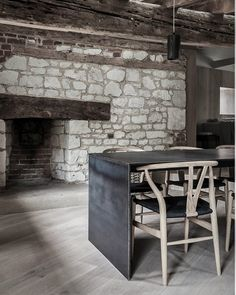 This rehabilitation architecture projects by Mclaren Excell, is a perfect example of minimalistic living Interior Design Studio, Interior Design Inspiration, Dining Room Inspiration, Minimalist Interior, Best Interior, Design Firms, Interior Architecture, Kitchen Design, Kitchen Decor