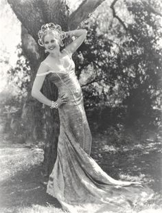 Ca Thelma Todd looking ravishing in one of her movie costumes Old Hollywood Stars, Hollywood Icons, Old Hollywood Glamour, Hollywood Fashion, Golden Age Of Hollywood, Vintage Hollywood, Hollywood Actresses, Classic Hollywood, Hollywood Style