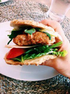Healthy chickenburger /// ig:@seaholmbrenna
