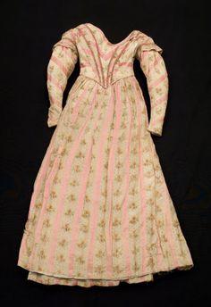 1840-45, vermutlich Tageskleid aus Baumwolle und Seide, vermutlich England