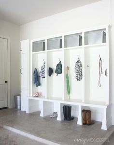 Like the floor- concrete? Also, trash can in mud room good idea.