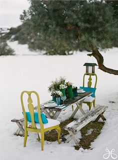 I adore the idea of a snow picnic, but there is no way this California girl is sitting outside and eating in the freezing cold! #picnic