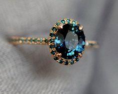 Anel de noivado de safira azul. Pavão safira oval halo azul verde anel de diamante 14k Rose anel de ouro por Eidelprecious  #