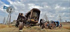 Windpomp en trekker Old Windmills, Old Cars, Cannon, Abandoned, Darth Vader, Clip Art, Cool Stuff, West Texas, Afrikaans