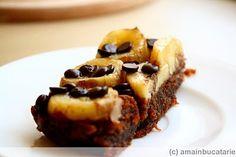 Prajitura cu banane si ciocolata Romanian Food, Desserts, Banana, Tailgate Desserts, Deserts, Postres, Dessert, Plated Desserts