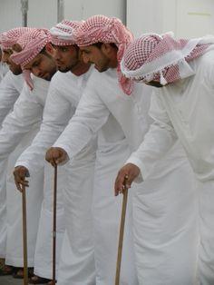 Arab men thobe thawb saudi