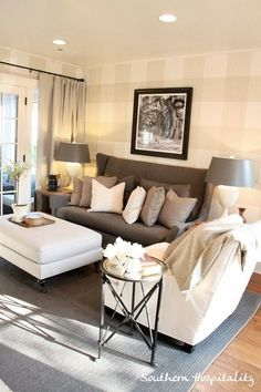 cozy living room... Love the | http://homedesignphotoscollection.blogspot.com