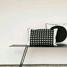 The perfect polka dot. Hand printed oversized black dots on heavy cotton canvas. Outdoor Chairs, Outdoor Decor, Dots Design, Cushions, Pillows, Nordic Design, Scandinavian Home, Black Dots, Home Decor Accessories