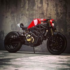 Ducati Monster 821 cafe racer concepts by Ziggy Moto - The Bullitt Ducati Cafe Racer, Moto Ducati, Cafe Racer Bikes, Cafe Racer Motorcycle, Moto Bike, Ducati 821, Motorcycle Headlight, Motorcycle Art, Ducati Diavel