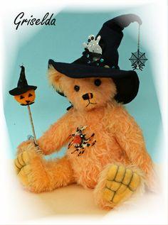 Griselda eine kleine HalloweenHexe von Loppibaeren auf Etsy