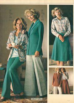All sizes   1975-xx-xx Eaton's Christmas Catalog P042   Flickr - Photo Sharing! 70s Fashion, Vintage Fashion, Womens Fashion, Classic Fashion, Fashion Trends, Vintage Style, Patti Hansen, Lauren Hutton, Vintage Dresses