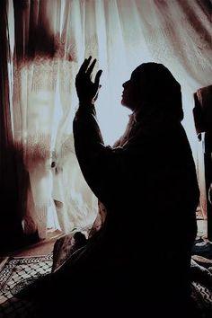 Islamic Girl Images, Muslim Images, Islamic Pictures, Islamic Art, Muslim Pictures, Alhamdulillah, Decoraciones Ramadan, Muslim Pray, Islamic Cartoon