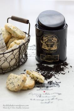 black tea cookies This sounds delicious but you will need to convert grams to cups to make this recipe. Cookies Et Biscuits, Tea Biscuits, Tea Cookies, Biscotti Biscuits, Tea Art, Tea Infuser, Cookie Recipes, Tea Recipes, Sweet Recipes