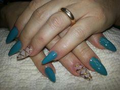 Viviana nails