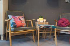 Atelier Wanderlust   STADTBEKANNT   Das Wiener Online Magazin Outdoor Chairs, Outdoor Furniture, Outdoor Decor, Accent Chairs, Lounge, Vienna, Wanderlust, Home Decor, Atelier