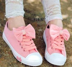 These beautiful sneakers have bow in part of above,we' ve got them in pink blue…