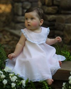 So reminds me of my baby girl Jessica! Little Girl Dresses, Girls Dresses, Flower Girl Dresses, Sewing For Kids, Baby Sewing, Beautiful Children, Beautiful Babies, Baby Girl Bows, Baby Boy