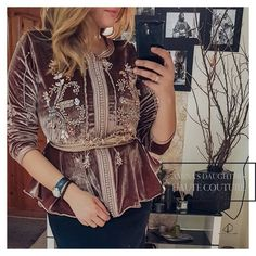Abaya Fashion, Fashion Dresses, Baroque Dress, Mode Abaya, Afghan Dresses, Moroccan Caftan, Velvet Tops, Traditional Dresses, Korean Fashion