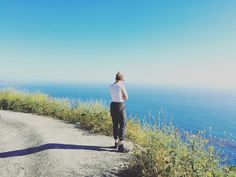 Babe #lifestyle #nomad #bragfest #yogaweekend #yogagirl #yogagirls #pssh #sanfrancisco #babesgonevanning #vans #inavandownbytheriver #boho #bohemian #bohochic #youalways #weinusgenius #harveynachogeniuswenius #skateordie #skatergirl #skateboarding #sailing #sail #sailboat #cacoast #coastline #ocean #pacificocean by sonoradancer