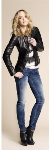 Pair your jeans with a leather jacket for an authentic rock chick look