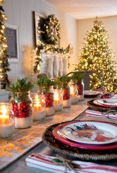 DIY Tischdeko Ideen zu Weihnachten, Marmeladengläser dekorieren mit Kunstschnee und Kerzen