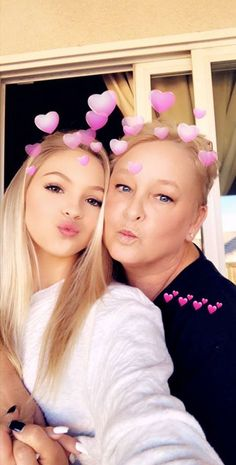 Thankful day  Jordyn and Kelly Thanksgiving '17 #jordynjones #actress #model #dancer #singer #designer https://www.jordynonline.com