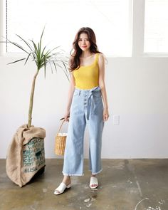 The Best Examples for Korean Street Fashion Korean Fashion Dress, Korean Fashion Casual, Korean Street Fashion, Ulzzang Fashion, Korea Fashion, Korean Outfits, Asian Fashion, Daily Fashion, Chic Outfits