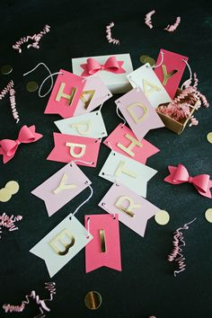 DIY Birthday Banner in a Box   like-the-cheese.com