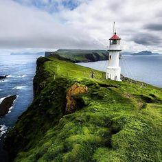 Mykines, Faroe Islands | Photo Credit: @cosmokoala