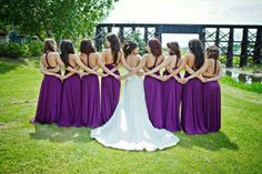 I'm having my bridesmaids wear Fuschia - this would be a great photo against the green/ blue backdrop! Excited!