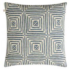 Chhatwal & Jonsson Prydnadskudde Emroidered Kulgam - Blue/Off White 50 x 50 cm - Chhatwal & Jonsson - Varumärken