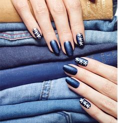 Check it out: the new trendy jean #nail #nailart #mani
