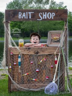 Gone Fishin' With This Adorable Wooden Stand (Also used for Lemonade, Fireworks, Etc.) – Crafting While Adulting Photography Mini Sessions, Summer Photography, Children Photography, Mini Session Themes, Firework Stands, Valentine Mini Session, Foto Fun, Mini Photo, Photo Cutout