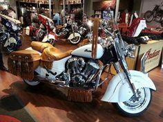2015 Indian Motorcycles Vintage - Custom WHITE paint.  Crisp!