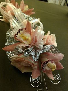 how to make a shoulder corsage