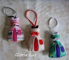 Vestidinhos perfumados: Feitos em feltro, uma ótima idéia para colocar no guarda roupa como enfeite.
