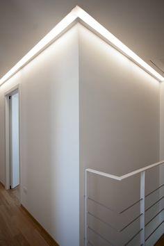 Cove Lighting, Linear Lighting, Neon Lighting, Clinic Interior Design, Modern Villa Design, Exterior Lighting, White Walls, Interior Architecture, House Design