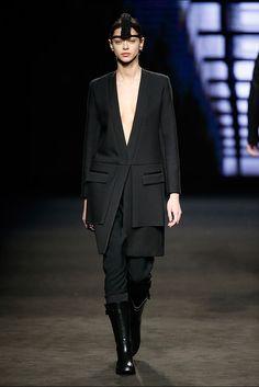 Txell Miras. Colección otoño-invierno 2015/2016. 080 Barcelona 080 Barcelona, Vogue, Runway, Womens Fashion, Style, Fall Winter 2015, New York Fashion, Walkway, Cat Walk