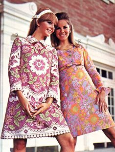 Floral patterned dresses, c. late 1960s. (♥) - Vintage Fashion and Beauty