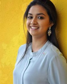 The Truth About Keerthy Suresh Is About To Be Revealed Beautiful Girl Photo, Beautiful Girl Indian, Most Beautiful Indian Actress, Beautiful Girl Image, Wonderful Picture, Beautiful Saree, Beautiful Bollywood Actress, Bollywood Actress Hot, Beautiful Actresses