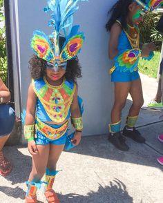 """presented their """"FINtastic"""" kids at Bermuda's FIRST ever kiddie carnival! Kiddie costumes designed by: Brazil Carnival Costume, Brazil Costume, Carribean Carnival Costumes, Carnival Dress, Diy Carnival, Carnival Themed Party, Carnival Outfits, Caribbean Carnival, Trinidad Carnival"""