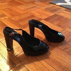 Tory burch peep toe sling back Gently worn Black patent leather peep toe sling back pump.  Good condition! Tory Burch Shoes Heels