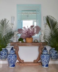 If you love Palm Beach style, especially blue and white homes, today's home tour is for you. Beautiful home decor colors to inspire your own DIY projects. Palm Beach Decor, Tropical Decor, Beach House Decor, Colorful Decor, Beach Chic Decor, Decks, Dragonfly Decor, Boutique Interior Design, Home Decor Colors