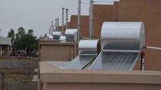 Buscan que el 30% de las viviendas del IPV apliquen energía solar: A través de un proyecto presentado en el Concejo Deliberante se busca…