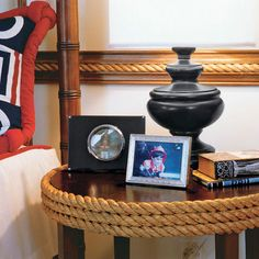 Rope wrapped table. My son and his wife would love this. This pin's for you charlee.