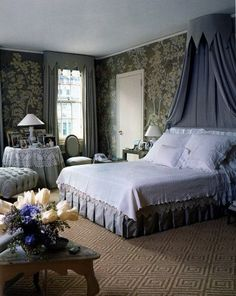 The Finest Rooms by Thomas Jayne Hamptons Bedroom, Hamptons Decor, Bedroom Bed, Master Bedroom, Bedroom Decor, Bedroom Ideas, Traditional Interior, Traditional Bedroom, Bed Valance