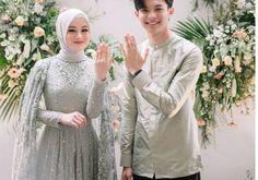 Malay Wedding Dress, Kebaya Wedding, Muslimah Wedding Dress, Hijab Wedding Dresses, Hijab Bride, Bridal Dresses, Kebaya Hijab, Kebaya Dress, Wedding Poses