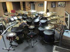Drums Girl, Chinese Drum, Girl Drummer, Drums Studio, Diy Drums, Pearl Drums, Drum Solo, How To Play Drums, Drum Kits